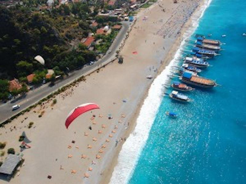 Paragliding and Parachuting